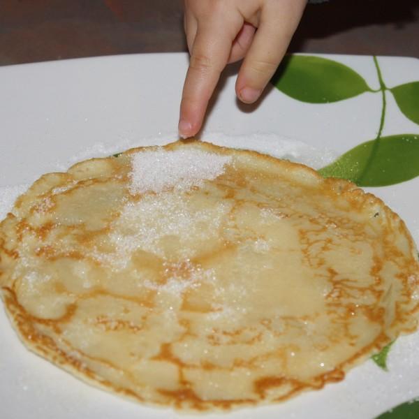 Pancake with access sugar